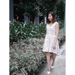🌸Friday Florals with @opulencelabel and @heatwaveshoeshq Happy Weekend!....#heatwaveshoes #hwootd #hwdailyjourney #hwjourneywomen #opulencelabel #clozette #streetstyle_singapore #stylexstyle #sginfluencer #livewithstyle #sgbeauty #ootdcampaign #styyli #vscofashion #sgigstyle #sgstyle# oo7d #ootdsingapore #lookbook #ootdmagazine #classyandfashionable #fashionblogger #travelblogger #chictopia #fashiongram #asseenonme #vscosingapore