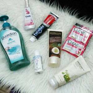 This month #essentials.  @guardian_id scrub body wash @pesonavitalis blossom @formulaoralcare charcoal @mustikaratuind bilasan santan @clearindonesia Sakura @thefaceshopid 365 herb day mung bean . . . #beauty #beautyproduct #bodywash #bodyscrub #clearsakura #lactacyd #blogger #beautyblogger #personalcare #clozetter #Clozette #ClozetteID