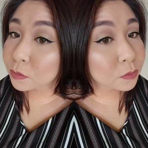 Happy Sunday! This was yesterday's #fotd ! <Makeup Details> EYES:  #anastasiabeverlyhills Modern Renaissance Palette, #physiciansformula Eye Booster Eyeliner and #benefit Roller Lash mascara  FACE:  #esteelauder Double Wear foundation, #laprairie Cellular Loose Powder, #benefit Hoola Bronzer, #tarte Blush, #jeffreestarcosmetics Eclipse highlghter  LIPS: #smashbox Stepping Out liquid lipstick  Happy Mothers' Day to all mothers!  #clozette #igmakeup #instamakeup #sgmakeup #sgblogger #beautyblogger #wakeupandmakeup #hudabeauty #beatthatface #makeupartistworldwide #dressyourface #slave2beauty #ssssamanthaa #selfie #glam #instalike #lipstick #highlighter #wingedliner