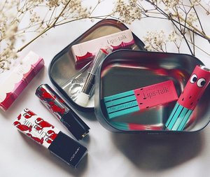 Pulled the ultimate excuse and finally gave in to buying makeup - only because it's mothers' day on Sunday so technically this is a gift 😜 choosing from @etudehousesingapore's 20 funky lipstick cases isn't easy, if I could I'd get them all! So my picks are the lobster case (cue rock lobster song from family guy) and watermelon because I love watermelon. Happy Tuesday everyone! Excited for tomorrow's holiday 🎉 #clozette