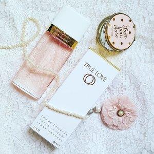 Happy Valentine's Day!  #edt #perfumes #perfumejunkie #perfumeaddict #igsg #igsgbeauty #fragrance #fragranceaddict #fragranceblogger #instablogger #instafragrance #instabeauty #instaperfume #fblogger #clozette #valentines #lace #White #pink #elizabetharden