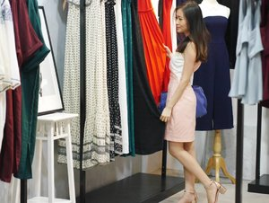 A truly personalized and intimate shopping experience at the new LB showroom yesterday! We all want our clothes to feel good on the skin and also to look good in it. I really enjoy feeling the fabric of the garment and trying out the different LB look before the purchase. Dear Pixies, thank you for making us (LB girls) happy customers ❤ We are on @lovebonito's snapchat!!! #lovebonito #experiencelb #wearitloveit #streetstyleluxe #styleoftheday #chictopia