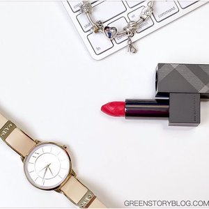 Is it already the last day of the first week of #2016 🤔 time never stops flying!  _____________________ #bbloggers #beautyblogger #makeupblogger #bdblogger #bangladeshiblogger #malaysianblogger #burberry #armaniexchange #pandora #soufeel #bloggerbabes #lifestyle #makeup #makeuptalk #makeupjunkie #beauty #bloggerbabes #clozette #picoftheday #instadaily #instablogger #ax #iphoneography #picturoftheday #lovemakeup #greenstoryblog