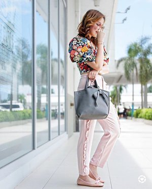 Prints and colors of summer... more about this look and my experience with Lasik eye surgery on the blog http://liketk.it/2rbVb #liketkit @liketoknow.it #sheilovesootd @stylefeed.ph @pilipinasootd #clozette