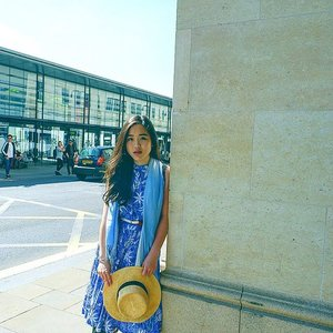 Spring Floral Dress for a lovely stroll in Berkshire paired with @hm hat #HM30DaysofSpring  #streetstyle #fashionph #berkshire #travel