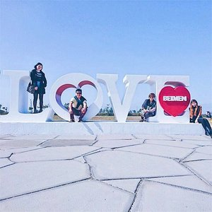 """""""Family where life begins and love never ends."""" 🏡 ❤️ . P/s: Cheesy ass photo our  driver guide made us take lol. 🧀 . . . . #cheesy #cheesyaf #instagood #love #family #familylove #clozette #clozetter #starclozetter #clozetteco #throwback #latergram #taiwan #crayyzeetravels #crayyzeeintaiwan"""
