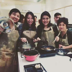 friends + mom that cook together  thank you @shiseido + @abccookingstudio_sg  for the enjoyable lesson! #clozette #shiseidosg #shiseido #abc #clozettesg #clozettedaily