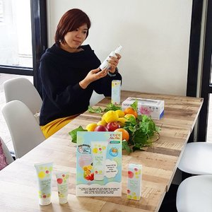 #throwback #buangbalik At Pika Pika, No Mirror Event 😙  Pika Pika means sparkling, glitter, shine, bright.  What I love about the products, it contents AHA, BHA, natural fruits extracts - Lemon and apple extracts, content mineral and whitening. Also suitable for all women use cosmetic products.  Products:- Pika Pika Deep Cleansing Liquid Pika Pika Deep Cleansing Peel Off Mask Pika Pika Deep Cleansing Hot and Cool Cleansing Gel  Get them now! Only at Watsons  #pikapika #watsonsmalaysia #watsondmy #thebutterflyproject . . . #Clozette #clozettebloggerbabes #bloggerbabes #starclozetter #blogger #bloggermalaysia #asianblogger #beauty #beautyblogger #bloggerkl #bloggerselangor #influencer #socialmedia #like4like
