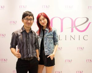 A #throwback pic of Dr. David and myself. Meet the person behind @meclinictimessquare that had kept my skin glowing for almost a year now. ... I would also like to congratulate @meclinictimessquare for branching out to #Johor! Tomorrow we will be at the opening ceremony of Me Clinic Johor branch. If you're, staying in Johor, come over to the branch in Skudai to meet us! Loads of great deals awaiting for u. Check out my blog for more details (link in bio @stilettoesdiva) . . #elsabrightlaser #meclinictimessquare #meaestheticclinic #lasertreatment #clozette #divainmebeauty #beautyblog #beauty #beautyblogger #skinclinic #skincare #beautycomeswithaprice #beautytips #motd #selfie #instabeauty #instadaily #malaysianblogger #skudai #meclinicjb