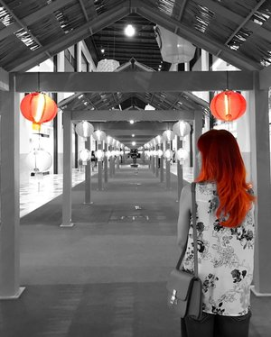 May the lantern light shine bright for you in the year of Rooster. Diva In Me wishes the Rooster Year bring you good health, abundance of joy and prosperity. Happy Chinese New Year 🌸🌈❤😊 . . #gongxifacai #happychinesenewyear #yearofrooster #ootd #outfit #orangehairdontcare #chineselanterns #celineboxbag #celine #style #fashion #fashionblogger #blogger #clozette #instafashion #summerweather #toniandguybangsar #toniandguy #haircare #beautyblogger #newyear #instadaily #blackandwhite #photography