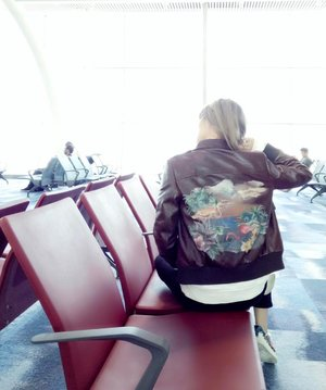 Love the back of my leather jacket ❤ . Missing the beautiful weather in Hong Kong already. It was definitely a good spring break. Till next time HKG! . .  http://liketk.it/2qVPq #liketkit @liketoknow.it #LTKStyleTip #LTKEurope #LTKBeauty @liketoknow.it.europe #springbreak #HongKong #divainmetravel #divagoestohongkong #travelblogger #fashionblogger #fashionista #fashion #hongkonginternationalairport #blogger #airportstyle #style #miumiu #leatherjacket #instatravel #instadaily #instafashion #ootd #outfit #clozette