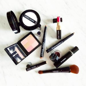 #Bobbibrown everything for my #motd. Can't tell you which one is my favorite because they are all. Which one is your fav? . . http://liketk.it/2pas2 @liketoknow.it #liketkit #allmyfavorites #bobbibrown #bobbibrownmy #makeup #makupoftheday #fashionblogger #makeupblogger #blogger #flatlay #clozette #cushioncompact #blusher #highlighter #lipstick #instabeauty #beauty