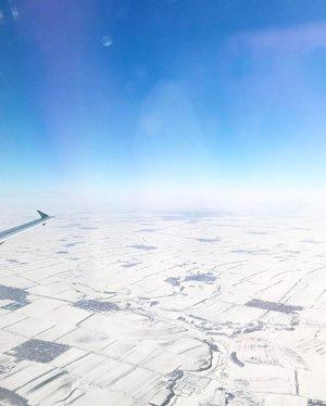 #Homebound. . #Harbin has been great, albeit cold. I survived! Yes!! 💪🏻 . . #harbinchina #harbinicewonderland #winterwonderland #wintervacation #travel #travelasia #travelblogger #travelclozette #travelphotography #viewfrommywindow #viewfromthetop #passionpassport #lifewelltravelled #blogger #divainmetravel #divagoestochina #lifestyleblogger #homesweethome #goinghome #mondayblues #clozette #airchina