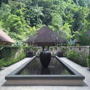 It is hard to be back to reality again after such a relaxing short break at The Banjaran Hotsprings Retreat. Sometimes we all need that short break to rejuvenate and be at peace with ourselves. *Hint : the spa was a great treat and well worth it* ❤️ #thebanjaranhotspringsretreat #malaysia #cuticutimalaysia #retreat #hotspring #ipoh #peaceful #spa #treat #fashionblogger #blogger #clozette #love #relaxing #thebanjaran #rejuvenate #getaway #weekends