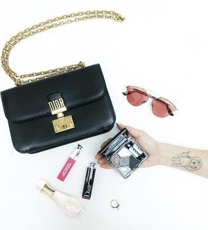 What's in my #DiorAddict Bag? All of them. Yes, it fits everything! ... • Dior J'adior Hair Mist • Dior Lip Tattoo (451) • Dior Addict Lacquer Stick (487) • Dior Eyeshadow Palette (067) • #DiorSoRealPop (Pink) • Dior Bee ring 🐝 . . #dior #dioraddictliptattoo #diormalaysia #diormy #diormakeup #lipstick #sunglasses #hairmist #motd #ootd #accessories #whatsinmybag #flatlay #fashion #fashionblogger #blogger #divainmefashion #clozette