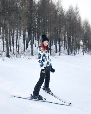 I love skiing..but..I hate carrying those gears back after a tiring day 😭 . *those aching body still needs to heal 😰 . . http://liketk.it/2qrbc @liketoknow.it #liketkit #spyder #cold #lifewelltravelled #globetrotter #winteractivity #skiaftermath #fashionblogger #fashionista #fashion #skiing #china #harbinchina #harbin #divagoestochina #divainmetravel #chinasnowtown #shuangyashan #burberry #skigear #bogner #skislope #flashbackfriday #fbf #clozette