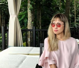 It's been a week since I left Koh Samui. Yet, I'm still missing it! #flashbackfriday ... Wearing the latest #DIORSOREALPOP sunglasses in Pink. They've other colors too. U can see it on my blog (link in bio @stilettoesdiva) . . #fbf #fskohsamui #diormy #diorsunglasses #kohsamui #pink #clozette #malaysianblogger #blogger #fashionblogger #fashionista #streetstyle #fourseasons #instadaily #instatravel #selfie
