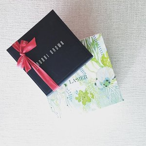 Things that makes me happy on a #Monday ❤️ Blessings from Bobbi Brown and La Mer team! Merry Christmas and thank you 😘😘 #bobbibrown #bobbibrownmy #lamer #lamermy #malaysia #love #clozette #christmas #present #kualalumpur #mondaynotblue #happy #blessed #thankful #fashionblogger #beautyblogger #beauty #blogger