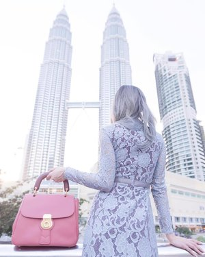 When you're wearing a gorgeous dress, carrying an elegant #TheDk88bag and staring at this view, it requires an iconic still image. ... More pictures on my #blog now and find out about my life with Burberry's DK88 Bags. #DivaLovesBurberry . . #burberry #fashion #fashionblogger #blogger #klccpark #mixandmatch #kualalumpur #pink #stylist #style #itsmylife #fashionista #fashionpost #instafashion #clozette #hotd #ootd #outfit #twintowers