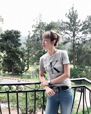 Another #flashback #OOTD picture. Took this while we chilled at the resort's balcony. ... Love this @calvin_klein_jeans._ top. Super comfy 😊 . .  http://liketk.it/2rpKJ #liketkit @liketoknow.it #LTKbeauty #LTKeurope #LTKstyletip @liketoknow.it.europe #outfit #cameronhighlandsresort #cuticutimalaysia #assseenonme #calvinklein #7fam #gucci #latergram #casualfriday #fashionblogger #blogger #fashion #clozette #calvinkleinjeans #instadaily #instafashion #divainmefashion #divainmetravel