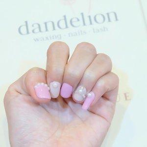 Beautiful nails done by @dandelionwaxingid , I look super girly with it 😍😍😍 . . . #nails #nailart #nailstagram #clozetteid #clozette #beautybloggerid #potd #picoftheday #likeforlike #네일아트
