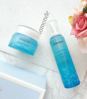 Formulated with water extracted from the Narcissus bulb - an excellent water bank! - the Mamonde Floral Hydro line locks-in moisture to the skin for long-lasting hydration. 💧 Floral Hydro Ampoule Toner RM89/150ml 💧 Floral Hydro Emulsion RM89/150ml 💧 Floral Hydro Eye Gel Cream RM99/20ml 💧 Floral Hydro Cream RM109/50ml . . . . . #mamonde #mamondeflowergarden #마몽드 #inspiredbyflowers #skincare #skincareaddict #skincarediary #skincarejunkie #skincarepicks #skincaretalk #beauty #beautyaddict #beautydiaries #beautyjunkie #beautypicks #beautytalk #beautyblog #beautyblogger #beautybloggers #kbeauty #instabeauty #bbloggers #clozette #clozetteambassador c/o #mamondemy
