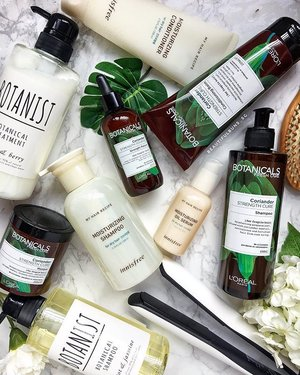 Don't forgot to give your hair some TLC guys~ pick from @botanicals_freshcare 's new range (I love the coriander range that treats hair and scalp health), or @innisfreesingapore 's moisturising range for dry hair, or even @botanist_official 's botanical range for healthy hair. - - - #botanist #botanicalsfreshcare #innisfree #innisfreesg #shampoo #conditioner #haircare #botanical #beauty #beautyblog #beautyblogger #clozette  #beautyaddict #bblogger #instabeauty  #makeup #makeupjunkie #makeupaddict #makeupstash  #beautyjunkie #trendmood #skincare #skincareblogger #makeuphoarder #igbeauty #sgigbeauty