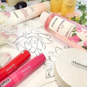 어서 오세요 Welcome to Singapore, @mamondekorea ! 🤗 The brand, known for its flower science (i.e. Lots of their ingredients are flowers) will be available online from @lazada_sg first (mostly skincare) before their first counter opens sometime in the middle of 2017. Some star products to try include the Rose Water Toner, Cover Powder Cushion, Highlight Lip Tint, and First Energy essence/serum 😍  #mamonde #mamondesg #마몽드 #lips #toner #rosewater #beauty #beautyblog #beautyblogger #clozette  #beautyaddict #bblogger #instabeauty  #makeup #makeupjunkie #makeupaddict #makeupstash  #beautyjunkie #trendmood #skincare #skincareblogger #makeuphoarder #igbeauty #sgigbeauty #asianskincare #koreanskincare #koreanbeauty #koreancosmetics #kbeauty