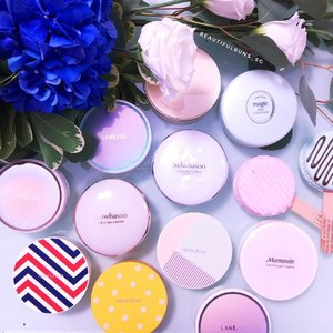 Oh hai there it's just some of the 100 million BB cushions that @amorepacific.official has sold to date! Here's the joint flatlay effort between fellow cushion lover @Loveforskincare and me hurhurhur. Any other similar shots you see on IG were totes styled by usssss 👯  #beauty  #beautyblogger #clozette  #bblogger  #makeup  #makeupaddict  #beautyjunkie  #igbeauty  #koreancosmetics #kbeauty #bbcushion #cushionunpacked #cushion #amorepacific #cushionmakeup #cushioncompact #cushionfoundation #sulwhasoosg #설화수 #laneigesg #라네즈 #etudehousesg #에뛰드하우스 #innisfreesg #이니스프리 #mamondesg #마몽드