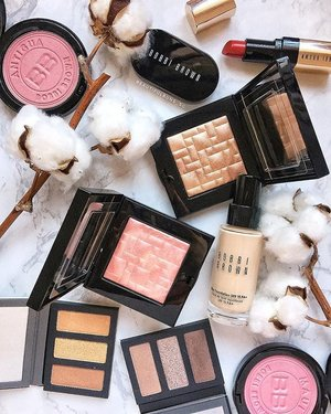 Such pretties from @bobbibrown signifying the beginning of the Fall Winter influx of beauty launches~ that dusty pink and bronze glow powders are to die forrrrr. - - - #bobbibrown #bobbibrownsg #바비브라운 #clozette #bronzer #blush #highlighter #highlighting #strobing #slave2beautyy #slave2makeup #slave2beauty #ilovemakeup #instabeauty #igbeauty #beautyful #beautygram #eyeshadowpalette