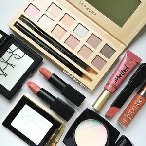 New year, best face forward - it's time to try out a nude look with these superbly pretty nude shades of @sephorasg 's new It Palette Delicate Nude, which also has a classy textured casing 😍 Am also gravitating towards more muted colours for the lips from #Nars #TooFaced #VDL and #FreshBeauty 😘 oh oh don't forget to help your skin look flawless with these setting powders from #YSLbeauty and Nars too~ best face forward everybardy~! #beauty #beautyblogger #clozette  #beautypicks #beautyaddict #bblogger #instalove  #jj #instagramhub #iphoneographer  #iphoneasia #iphoneography #iphoneonly #iphoneartists #instagood #bestoftheday  #igers #picoftheday #instadaily #webstagram #inkstagram #instafamous #igaddicts #SephoraNudeAction #IWokeUpLikeThis
