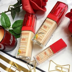 Have tired skin? Try out this Healthy Mix Anti-Fatigue Foundation that's infused with vitamins B5, C and E, and is also said to last up to 16 hours! The medium-coverage, semi-matte foundation comes in 6 shades ($29.90 each), while the concealer comes in 3 shades ($17.90 each). 🤗 - - - #bourjoissg #bourjois #lovehealthymix #foundation #clozette #beautyblog #beautyblogger #instabeauty #igbeauty #slave2makeup #slave2beauty #slave2beautyy #makeup #makeupslaves #makeuphoarder #makeupstash #부르조아 #인스타뷰티 #뷰티그램