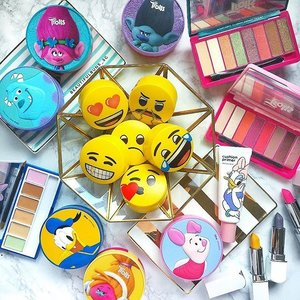 The long weekend is over, just like that?! 😫 Ah well, time to get back to work tomorrow - here's something to cheer you up: Kbeauty products that are well, more cheery than I am now. Heh. 😘 - - - #innisfree #innisfreesg #trolls #monstersinc #sulley #donaldduck #thefaceshop #thefaceshopsg #piglet #eyeshadowpalette #laneige #laneigesg #lipstick #emoticons #emojis  #clozette  #beautyaddict #bblogger #instabeauty #makeupjunkie #makeupaddict #makeupstash  #beautyjunkie #trendmood  #makeuphoarder #igbeauty #koreanbeauty #koreancosmetics #kbeauty