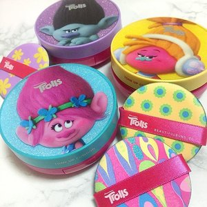 Omergawd, how cute are these new colour cushion correctors from @thefaceshop_sg and @dreamworksanimation ?! 😍 I was particularly happy while watching @trolls cos of all the singing and dancing~ now the joy is combined with my love for beauty, especially cushion-type products~ 😍 Available in more than just cushions - there's a HUGE array of stuff including oil blot powders, eyeshadow palettes, concealers, highlighters, eyeshadow pencils, eyeliners, hair care products. cushion blushers, hair oil serums, nail art stickers, and of course my (other) favourite, lippies! - - - #thefaceshop #thefaceshopsg #trolls #dreamworkstrolls #bbcushion #beauty #beautyblog #beautyblogger #clozette  #beautyaddict #bblogger #instabeauty  #makeup #makeupjunkie #makeupaddict #makeupstash  #beautyjunkie #trendmood #skincare #skincareblogger #makeuphoarder #igbeauty #sgigbeauty  #koreanskincare #koreanbeauty #koreancosmetics #kbeauty #더페이스샵