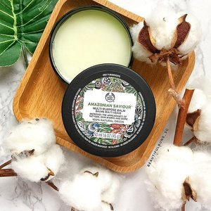 Talk about being an all-rounder multi-tasker! This Amazonian Saviour Balm from The Body Shop has such a plethora of uses:  1. Nourishes Dry Skin 2. Works as a lip balm 3. Improves appearance of skin marks 4. Soften portions of your new shoes that may cause blisters 5. Softens and conditions nail cuticles 6. Helps runners avoid chafing 7. Brightens appearance of tattoos  And if that wasn't enough, it's also formulated without silicones, colourants, mineral oil, paraffin and fragrance. It's dermatologically tested and suitable even for sensitive skin. Woah. All that goodness for a tub that costs a mere $16. 🐰❤️ Plus, the brand doesn't do animal testing~ what are you waiting for? - - - #thebodyshop #thebodyshopsg #noanimaltesting #clozette #multipurposebalm #balm #skincare #skincarejunkie #skincareroutine #skincareblogger #skincareproduct #instaskincare #igskincare #drylips #lipbalm #더바디샵 #againstanimaltesting #againstanimalcruelty