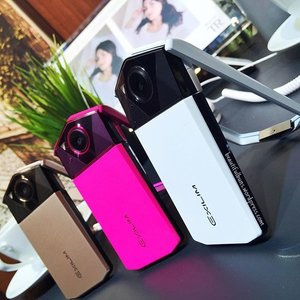 'Tis selfie time! 📸 Casio will start selling its new Exilim EX-TR70 ($1,399), available starting tomorrow evening! It is now redesigned with an even slimmer silhouette and an improved Advanced Makeup Mode that not only evens out your skin tone, brightens it and gives you a healthy subtle pink flush 😊 the makeup mode is also available for videos.  #exilim #selfieiscasio #casio #camera #gadgets #selfie #TR70 #clozette #instagramhub #iphoneographer #iphoneography #instagrammers  #instagood #bestoftheday #tweegram #igers #instamood #picoftheday #igdaily #instadaily #webstagram #statigram #instago #inkstagram #instafamous #ignation #igaddicts