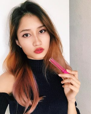 💄: Wearing @colouredraine liquid matte lippy in Sorbet from @comamakeup It's really super long lasting & pigmented!! No need reapplication for lazy bums like me🌟 . . Save yourself from the shipping hassle with comamakeup.com 💋#favesasia #faveselfie #comamakeup
