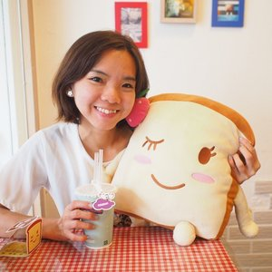 With the cutie mascot from #togethercafe #bread #toast #土司 #奶茶 #ootdtw #selfie #clozette