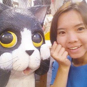 Half of Friday gone!!! Yea I need to sleep in tmrw.. n I hope the sore throat will go away soon... #kitty and I saying hi in #taipei #台北 #西门红楼 ^^ 加油!! Chui look haha ... Taiwan was still pretty hot with occasional rain akin to sg weather. #selfie #clozette #ootdtw #taiwan