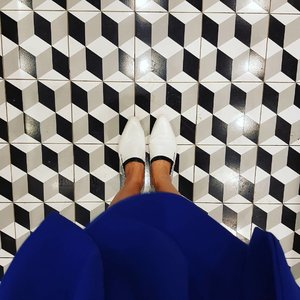 Today's #sotd #loafers from @charleskeithofficial and matching tiles. ♖♞ #charlesandkeith #ihavethisthingwithfloors #ihaveathingwithtiles #fromwhereistand  #clozette #makeup #beauty #beautyblogger #instabeauty #beautyjunkie #makeupaddict #bbloggers #lifestyle #instanails #beautyblog  #nailsflatlay #beautyflatlay #marble #instasg #sgig #ootd #blacknwhite