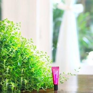 Kissable lips and flushed cheeks to brighten up your Monday! 😘 Have a great day!  #rucysvanityph #makeup #beauty #lipandcheek #koreancosmetics #monday #goodvibes #skincare #beautifulday #cosmeticsph #clozette #rucysvanity#manila#goodmorning
