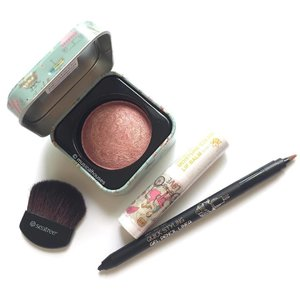 If you love cute #kbeauty #makeup, then check out @seatree_singapore - they're most known for their steam cream, but they have some really pretty #cosmetics too! Love this marbled #blush, and the #lipbalm and #eyeliner are cute too! #Clozette #beauty