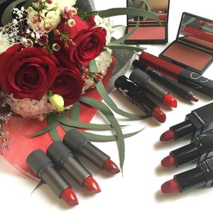 When the theme for the weekend is #red and black! Taking out my small collection of red #lipstick shades! Shown here are @thefaceshop_sg @3ce_official @narsissist @rougebunnyrouge and @illamasqua! Also some red @sleekmakeup #blush shades! #Clozette #beauty #makeup