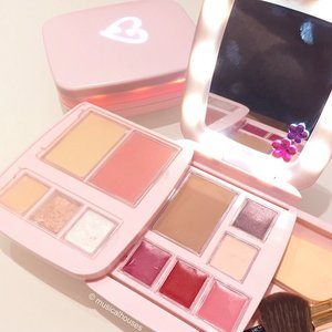 Another post in line with he #pink Wednesday theme I often see on IG! Had fun looking at the new @glamitco #compacts and picked out my own colours for my own #glamit #palette! You can choose from #pressedpowder, #blush, #bronzer, #highlighter, #eyeshadow, #lipstick, #lipgloss, #glitter and #concealer! Each #GlamPact holds 3 large pans (for #blusher/#powder etc.) and 8 small pans (#eyeshadows/#lipcolors etc.). The quality of these are actually really nice, especially the powder #foundations which are really smooth and fine - I'm told they are quadruple-milled! #Clozette #beauty #makeup