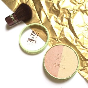 Happy new year everyone! It's officially 1 Jan here! May your 2017 be bright and glittering! Shown here is my @pixibeauty #blush duo (#blusher on one side, #highlighter on the other) with its own mini #kabuki #brush! #Clozette #beauty #makeup