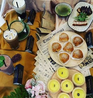 Burp. .what have I found? A #food heaven of freshest egg tarts, signature  chicken sou, mix roasted meat, red bean ice & so much more 😋  If you're a #foodie, come over to @namheongipoh Vintage at Pavilion Elite, Level 8 to have a #bite 😉  #namheongipoh #caroleats #igfood #rollwithcarol #namheongvintage #foodies #foodporn #foodgasm #foodaddict #foodlover #clozette #igersmalaysia #igers