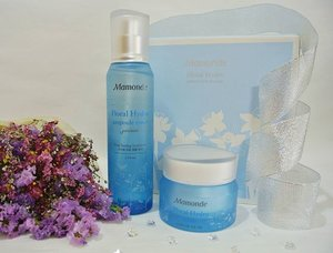 Ooh another #beauty #treasure just arrived at my doorstep ❤  Introducing Mamonde Floral Hydro line formulated with water extracted from Narcissus bulb. A water bank that gives us the extra  moisture for #beautiful #skin 😘  More deets to come at www.rollwithcarol.com 😎  #mamonde #mamondeflowergarden #bbblogger #beautyblogger #beautyaddict #instapic  #koreanproducts #carolbeauty #koreanskincare #clozette