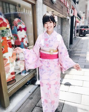 Definitely recommending First Rental Kimono in Kyoto if you are looking for kimono rental in the area. Thank you for making me a #kimonogirl for the day 😀 ....#kimono #kimonorental #kimonostyle #kyoto #kyotokimono #kyoto #kyototravel #kyotojapan #kyotogram #japantravel #exploringjapan #japanloverme #clozette #ootd #traditionalwear #wiwt #outfitpost #allitravel #travel #travelgram #travelasia #travelogue #travelstoke #wanderlust #aroundtheworld #vscotravel #throwback