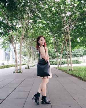 I really like bags that can be carried multiple ways, like this black bag from @zaful can be carried as a bag pack, tote bag & handbag. 😄🤗💕 pc: @ladies_journal❣#StylewithEna #Zaful #Clozette