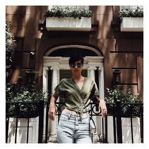 New York vibes 🗽#ootd #outfitoftheday #lookoftheday #Sgootd #fashion #fashiongram #style  #beautiful #currentlywearing #lookbook #wiwt #singapore #whatiworetoday #ootdshare #ootn #wiw #fashionista  #instastyle #Lotd #instafashion #outfitpost #fashionpost #todaysoutfit #fashiondiaries #sglookbook #clozette #ootdsg #styleforstyle #fblogger #styleblogger